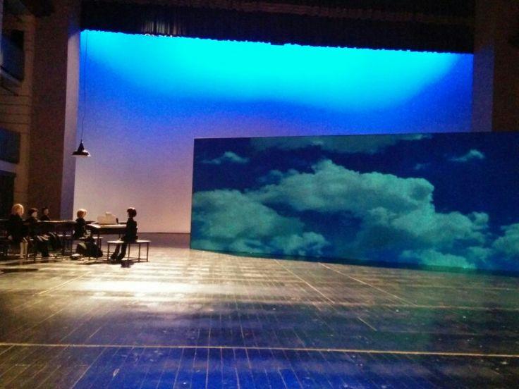 Garella e i suoi attori, fra alti e bassi, sfidano perfino Totò #Nuvole Teatro Arena del Sole Bologna