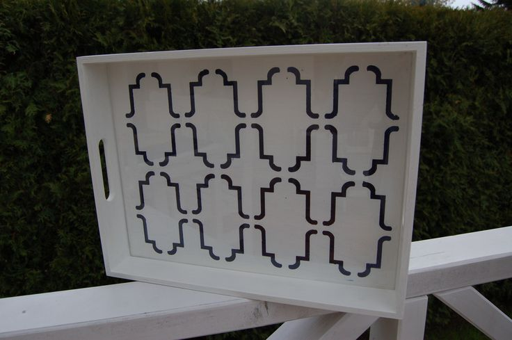 drewniana taca w marokański wzorek