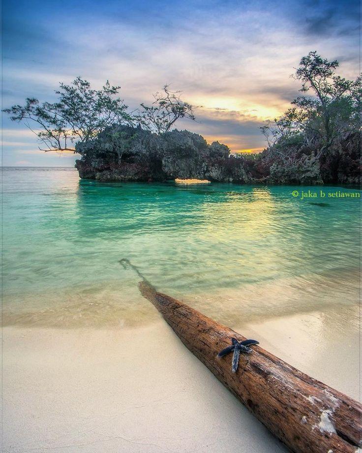 """Senja di Pantai Palanggang ..."
