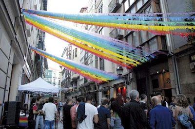Bilbao se apunta al dineral del turismo gay. Iñigo Piñeiro   Bilbaohiria, 2016-01-21 http://bilbaohiria.com/bilbao-se-apunta-al-dineral-del-turismo-gay/