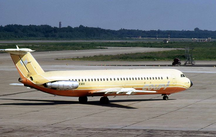 "Court Line BAC 111-518FG One-Eleven G-AXMH ""Halcyon Sun"" taxiing at Milan-Linate, August 1973 (Photo: Piergiuliano Chesi)"