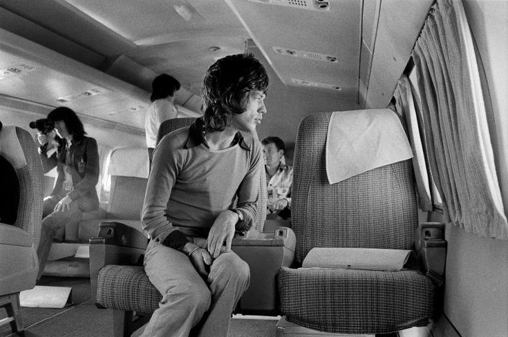 http://1.bp.blogspot.com/-DhAjzll7CcY/UFmMZD1jrMI/AAAAAAABuLc/Vae6SCBdq14/s1600/Mick+Jagger+on+Airplane,+1972.jpg