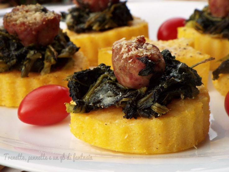 Tartine di polenta con broccoli e salsiccia...i broccoli e salsiccia si uniscono alla polenta e si trasformano in tartine appetitose e simpatiche da portar
