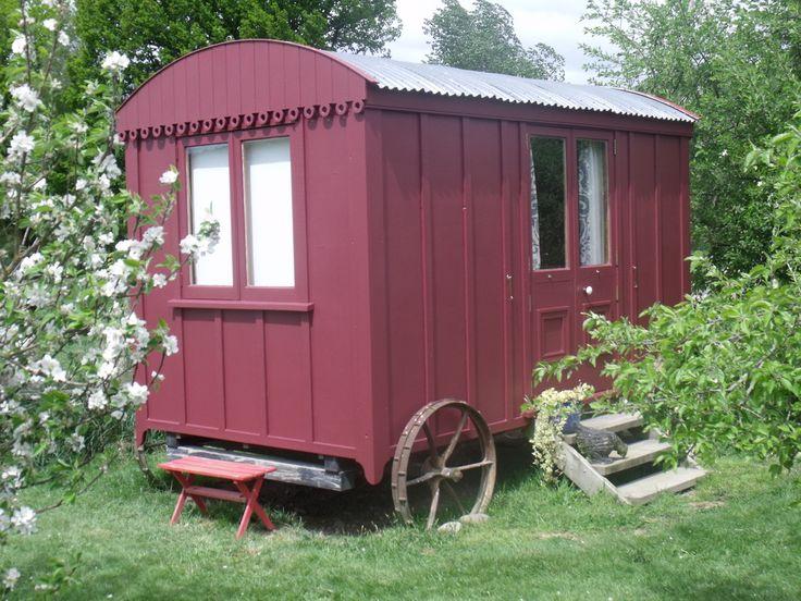 Shepherd's Hut Accommodation - Motupiko hall glamping