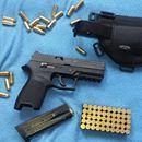 Sig Sauer P250: Prodám tuto pistolí v ráži 9x19. Kupovaná v květnu 2016 (ještě 1,5 roku v záruce). Nastříleno max 150 ran. Stav úplně nové zbraně. Přidám pouzdro viz foto + taktické pouzdro. Nevyužitá zbraň.https://s3.eu-central-1.amazonaws.com/data.huntingbazar.com/10182-sig-sauer-p250-pistole.jpg
