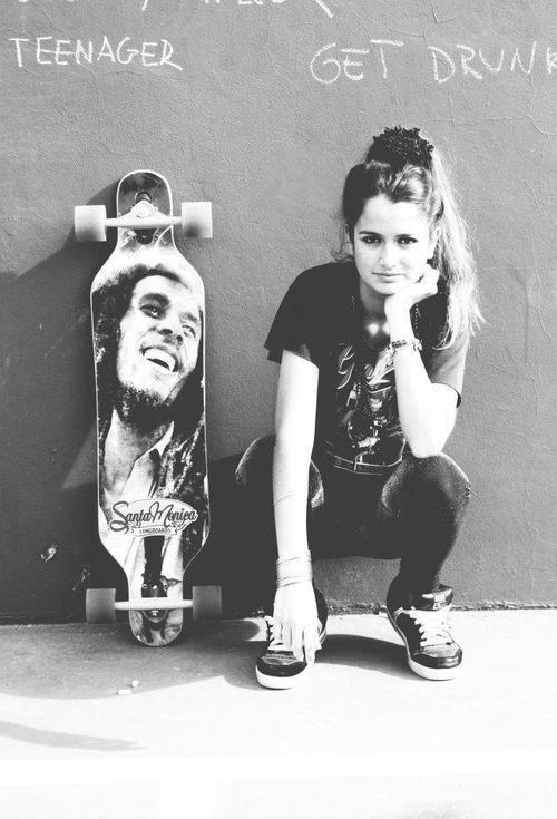 skater girl + bob marley board ... I want that board so bad!