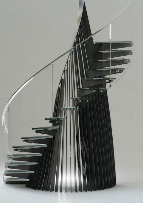Die Treppen der niederländischen Treppenmanufaktur EeStairs sind sehr abwechslungsreich: zum einen durch ungewohnte Materialzusammenstellungen, zum anderen durch die vielseitigen Formen.