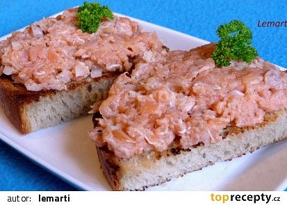 Tatarský biftek z lososa recept - TopRecepty.cz