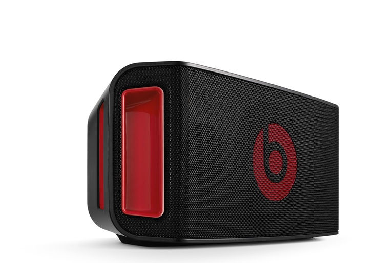 The Beatbox Portable speaker system was designed to unleash the high-powered Beats by Dr. Dre sound no matter where the party goes. There's pretty much no device, mix or sound it can't handle.