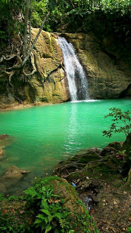Air Terjun Wafsarak, Biak, Papua