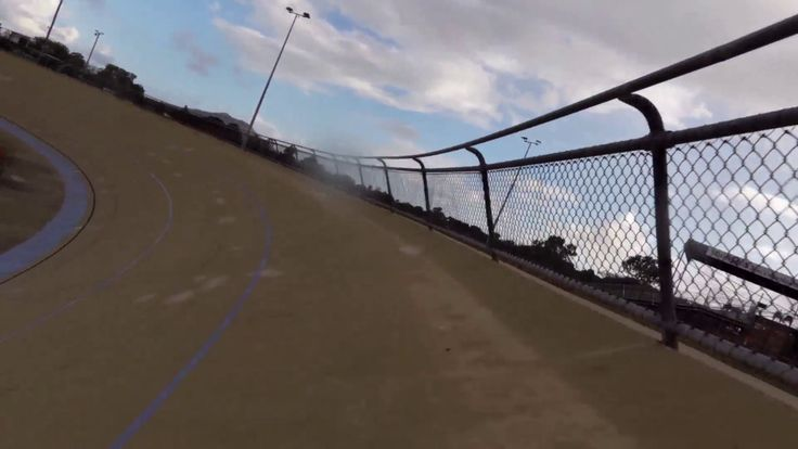Flying 100m track sprint cycling entry - YouTube
