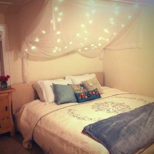 Bedroom with lights: Idea, Under The Stars, Twinkle Lights, Night Lights, Christmas Lights, String Lights, Twinkle Twinkle, Girls Rooms, Kids Rooms