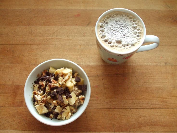 oatmeal with flax, soy protein isolate, bananas, walnuts, dark chocolate, and soy milk, coffee with soy milk