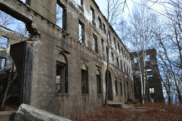 17 best images about places to visit on pinterest civil for Pennsylvania hotel new york haunted