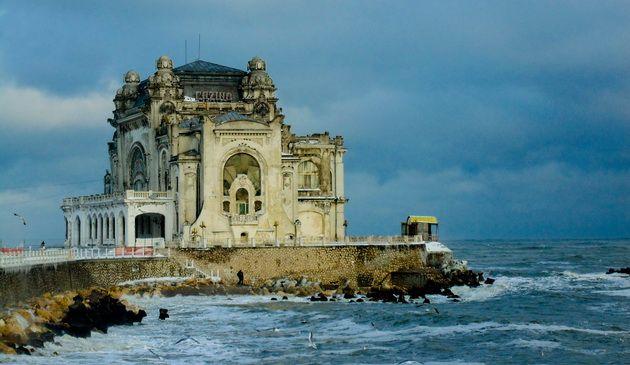 O plimbare retrospectiva si lantul vicios al promisiunilor galerie foto video Cultura ZIUA de Constanta