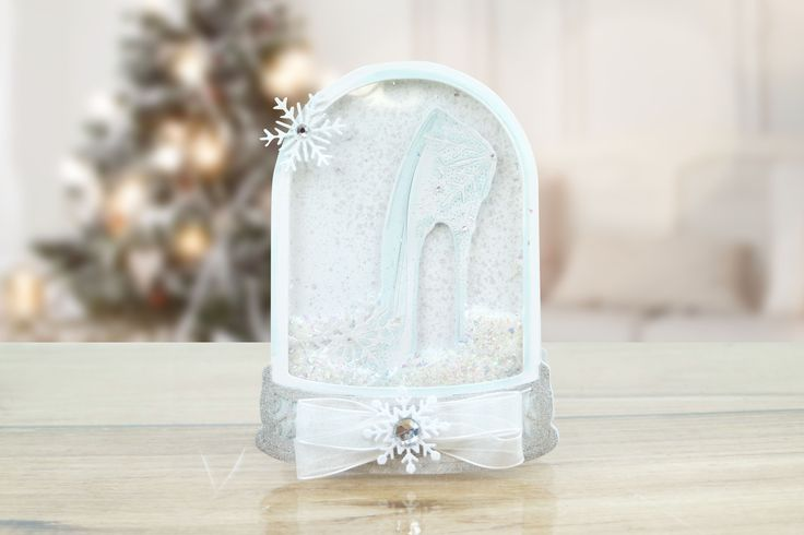 TLD0540 Snowflake Slipper - from the Fantasy Christmas collection by Tattered Lace