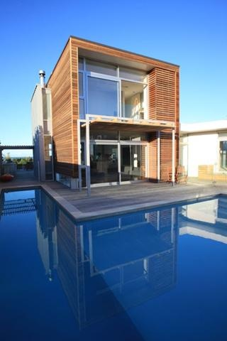 Colour Complements The Blue Pool Design Inspirations