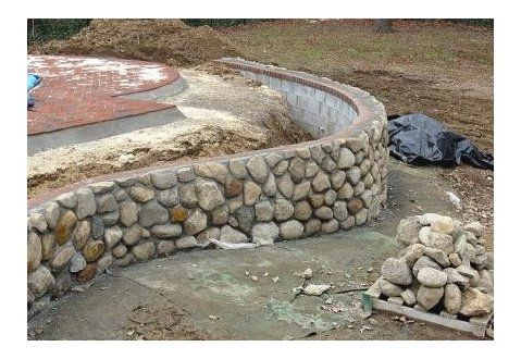 Retaining Wall With All My River Rock 1000 In 2020 Fence Design Retaining Wall River Rock