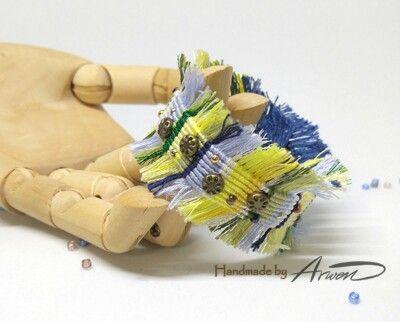 #십자수실 로 만든 #프린지 #마크라메 #팔찌 ... #매듭공예 #매듭팔찌 #macrame #macramebracelet #handmade #handmadejewelry