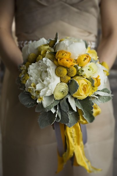 Yellow and Grey Wedding Ideas - Beautiful #bridalbouquet!
