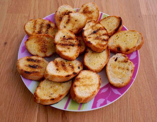 Home food: Чесночные крутоны на гриле / Garlic croutons grill
