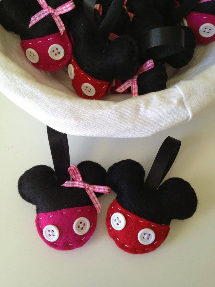 Mickey and Minnie Mouse party felt favors..!