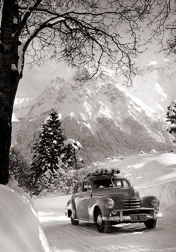 1951-1953 Opel Kapitän | Off to go skiing, but no driver?