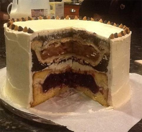 Cake With Icing Baked Inside : I give you..... The Piecaken It s an Apple Pie inside a ...
