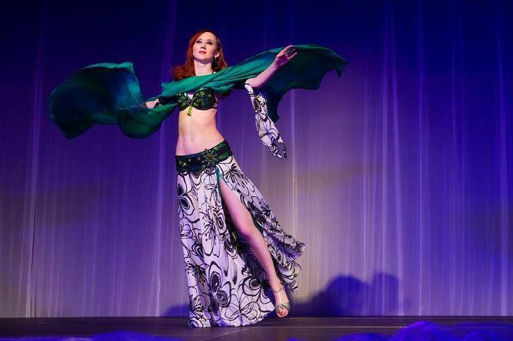Ninetka Zdobení orientálního kostýmu. Tanečnice: Hana Khalida Kupková, foto: Daniel Král https://www.facebook.com/artandbijouxninetka