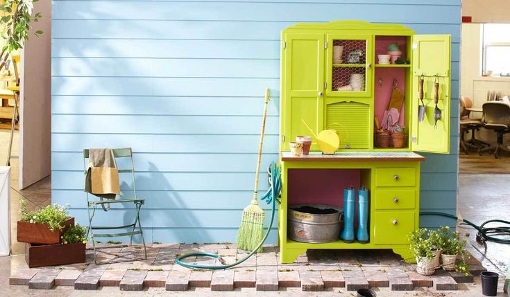 Get the outside of your house just as organized as the inside of your house with out top picks for outdoor storage. Declutter your space with additional storage that houses all your tools and gadgets. #outdoorstorage #declutter #organization