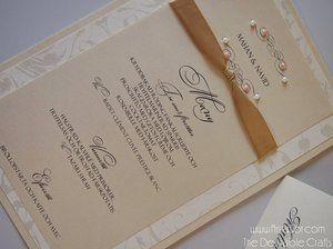 Menykort Ivory med Pärlor och band. Handgjord vintage bröllopskort. 46 sek/ st