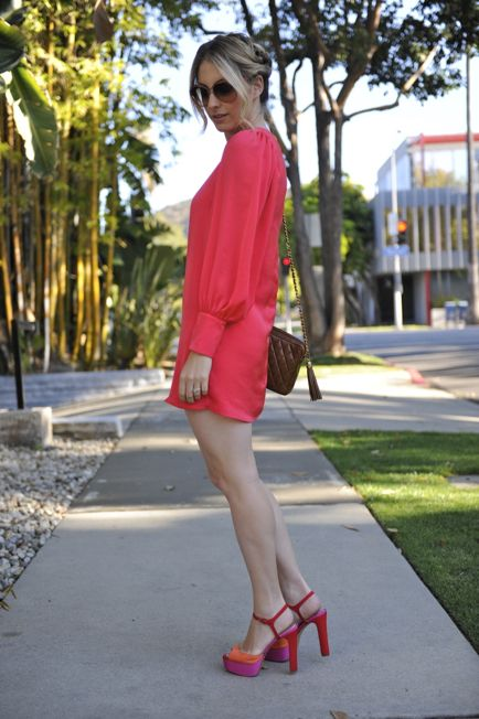 rekindling my love for the color pink...: Pink Dresses, Dresses Shoes, Colorado Style, Cupcakes And Cashmere, Colors Shoes, The Dresses, Loud Colors, Colors Blocks, Bright Colors