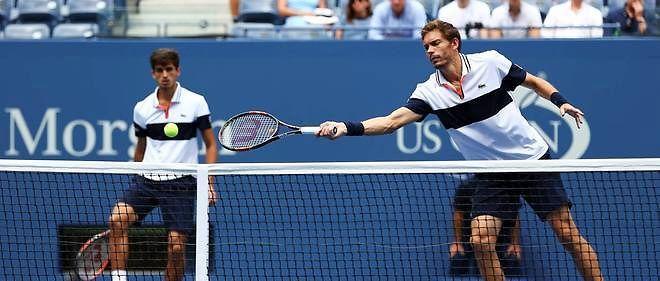 2015, US Open men`s doubles championship match on Saturday. French Team Won. Nicolas Mahut et Pierre-Hugues Herbert ont remporté le tournoi de double  messieurs de l'US Open en battant l'Australien John Peers et le  Britannique Jamie Murray 6-4, 6-4.