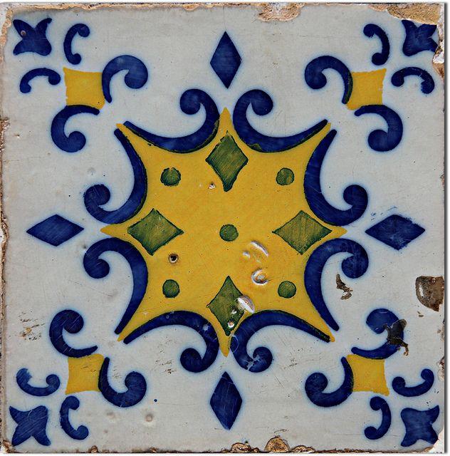 Azulejo Português / Portuguese Tiles, São Luís, Maranhão by Francisco Aragão, via Flickr