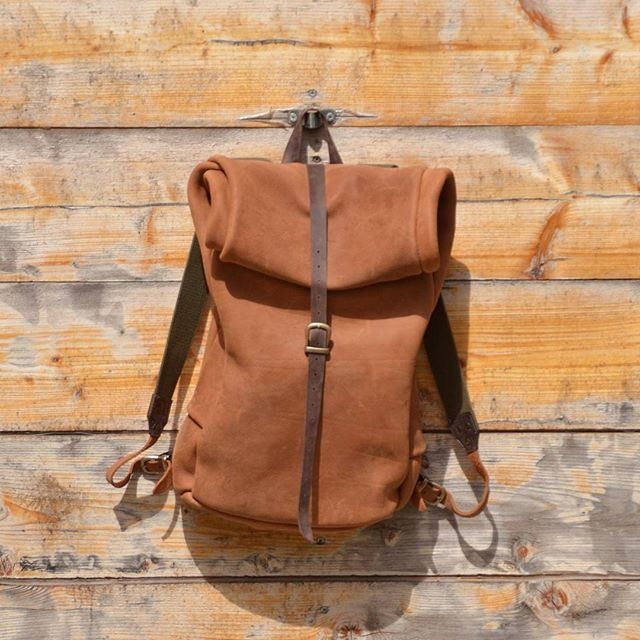 Leather backpack special thanks to @panagiotis_markadoros #panagiotismarkadoros #leatherbackpack #leatherbags  #leathercraft #leathergoods #handsewn #handmade #shemakesbags