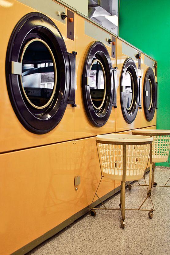Oldschool cool but nothing in comparison to the comfort and technological luxury a Siemens washing machine brings to your home. // Oldschool cool – aber nichts im Vergleich zum Komfort und Luxus einer Siemens Waschmaschine. #washingmachine #laundry #housework #innovation #enjoysiemens