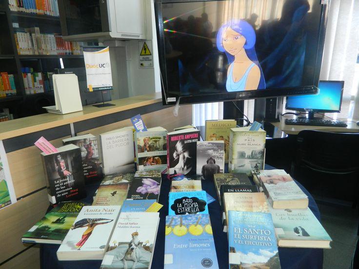 Exposición de libros y cortometrajes motivacionales a la lectura.