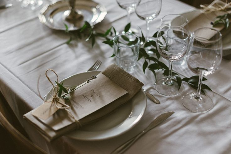 vintage wedding thrift wedding table setting  Julia Lillqvist | Jonna and Hutan | Finsk-Indiskt bröllop i Jakobstad | http://julialillqvist.com