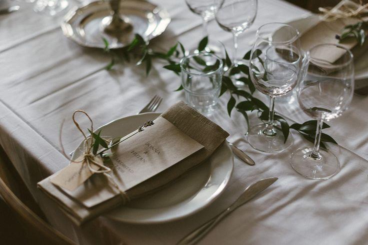 vintage wedding thrift wedding table setting  Julia Lillqvist   Jonna and Hutan   Finsk-Indiskt bröllop i Jakobstad   http://julialillqvist.com