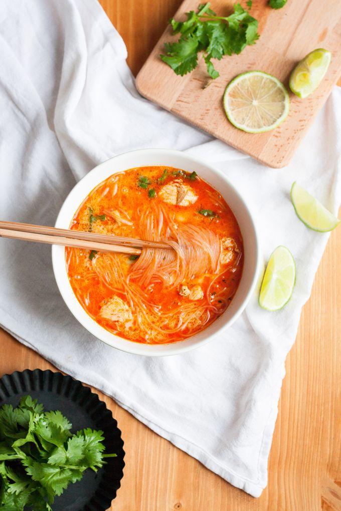 20-Minuten Thai Chicken Soup. Herzhaft, würzig und extraschnell - kochkarussell.com                                                                                                                                                                                 Mehr