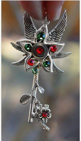 Потрясающие украшения в виде ключей от Keyper's Cove. Часть 1
