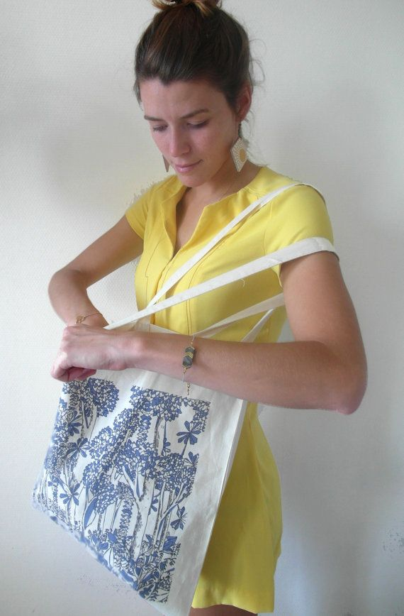 #totebag #canvas #etsy #etsyshop #trendy #coton #sac coton #printed #blue #cabas #paris