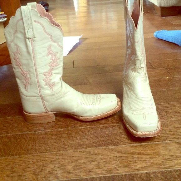 17 Best images about Lucchese Boots on Pinterest | Pink cowgirl ...