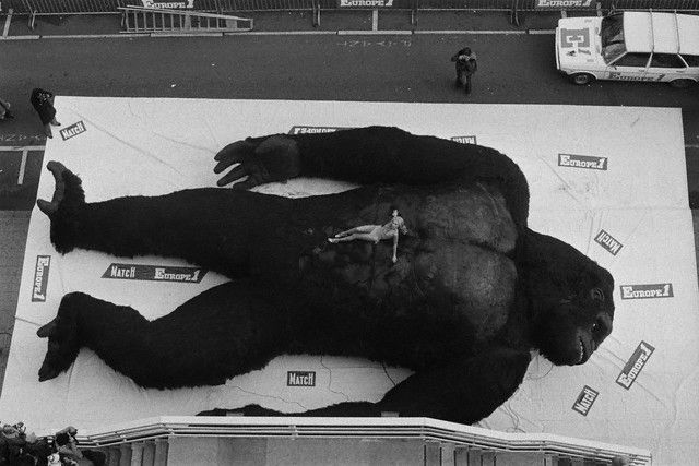 King Kong (1976): Kong 1976, Giant Monsters, King Kong, Classic Movies, Konqer Kong, Kong Backstage, Classic Monsters, Scene 1970S, Backstage 1976
