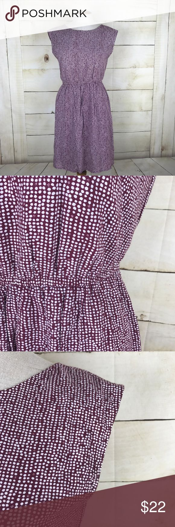 """Zara Basic Purple and White dress Cute Zara Basic dress with purple and white pattern. Great for work or casual weekends. Elastic waist. Size Small. Underarm-underarm 17"""" Length 33"""". 100% Viscose. Lining 100% Polyester. Gently used condition. No trades or modeling. Zara Dresses"""