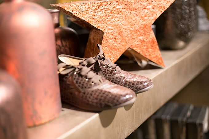 Zapatos blucher Coco, una propuesta elegante y festiva, para los outfits navideños.