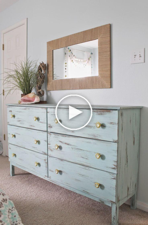 Beach thema slaapkamer. Aqua geschilderd onvoltooide kast van Ikea
