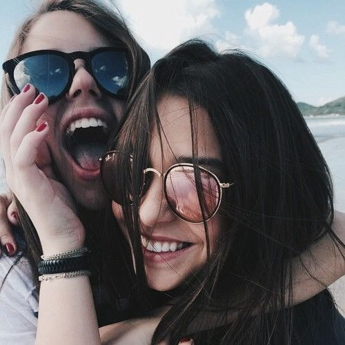 Best friends photography idea tumblr laughing summer
