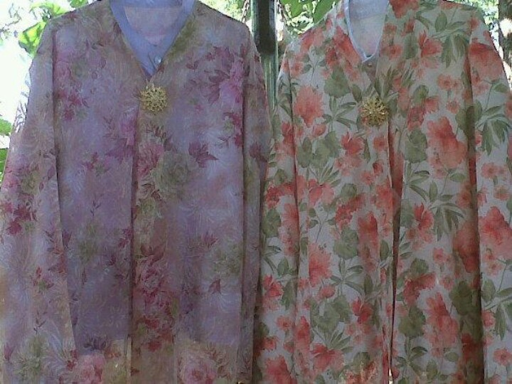 """Kebaya Panjang or """"Long blouse""""  worn by the Peranakans ladies in Thailand & the Straits-Settlement of Penang, Malaysia."""