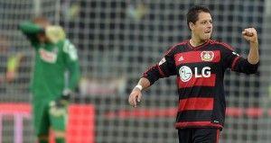 """El delantero mexicano Javier """"Chicharito"""" Hernández anotó el gol de su equipo y tuvo que abandonar el terreno de juego por una lesión en la derrota del Bayer Leverkusen 1-3 frente al Werder Bremen en un duelo correspondiente a los cuartos de final de la Copa de Alemania. El cuadro de las aspirinas desaprovechó la […]"""